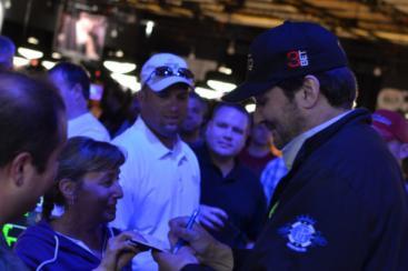Phil Hellmuth WSOP fans