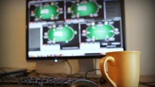 online poker screen