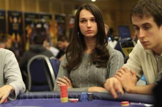 vrouwelijke pokerspeelster