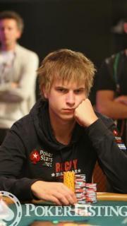 Viktor Blom15